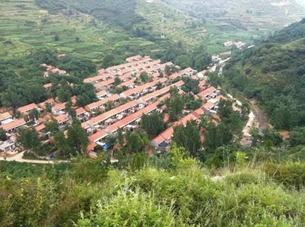 北黄谷村为鲁中山区西南部,沂蒙革命老区,具有上百年的历史.